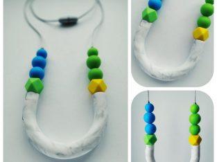 Силиконово колие/ гердан при никнещи зъбки по време на бебеносене