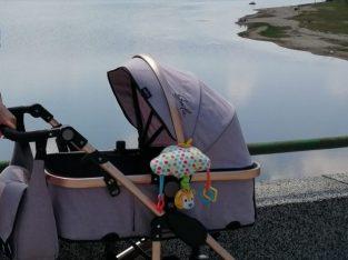 Детска количка мони гала, с нормални следи от употреба. Повече информация на лс!