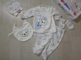 комплект за новородени от 5 части(ританки,шапка,лигавник,ръкавички,кимоно)