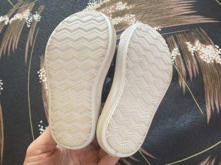 Обувки F&F