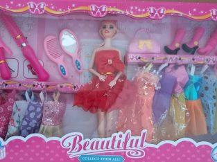 Барби с дрехи и аксесоари